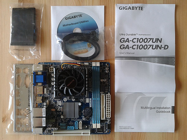 GIGABYTE GA-C1007UN obsah balení